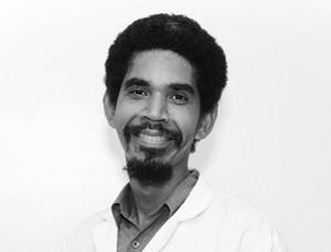 Dr. Melvin Arias