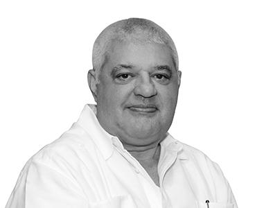 Ing. Víctor González